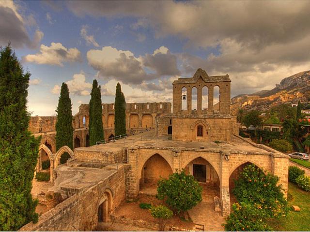 bellapais_manastiri (1)